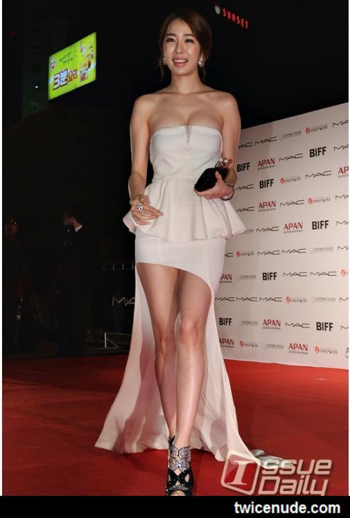 Kang Hanna Talks About The Extremely Sexy Dress She Wore